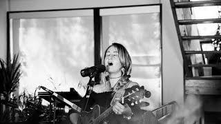 """Margo Price - """"Wallflower"""" (Bob Dylan cover)   House Of Strombo"""