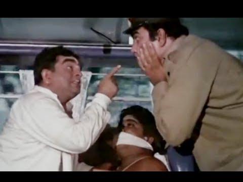 Bombay To Goa Funny Scenes - Iska Muh Kyu Band Hai? - Mukri & Jr.Mehmood