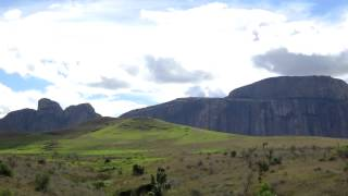 preview picture of video 'The Massive Massif Separating Madagascar's Central Highlands from the South'