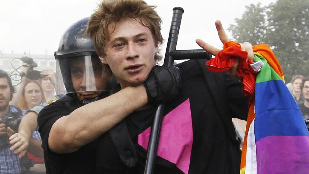'Gay Propaganda' Gets Russia In Trouble thumbnail