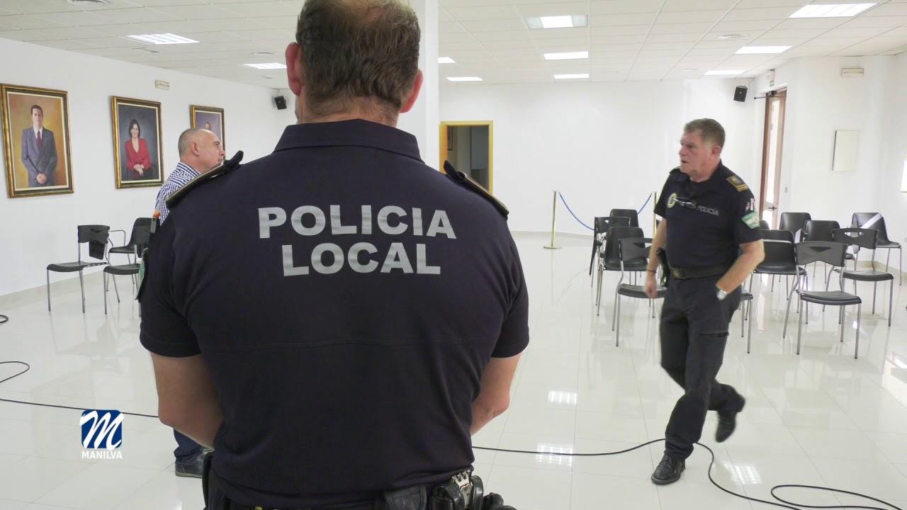 LA POLICÍA LOCAL RECIBE LA NUEVA INDUMENTARIA DE VERANO
