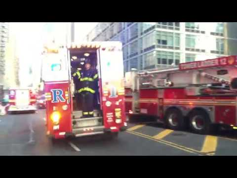 FDNY RESCUE 1 DOING A U-TURN WHILE RESPONDING FROM ONE FIRE TO ANOTHER IN MANHATTAN, NEW YORK CITY. Mp3