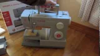 Unboxing Singer 4423 - Heavy Duty Sewing Machine and Accessories