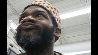 Jaheim Proves He Didn't Fall Off Almost Crashes Cart In Walmart