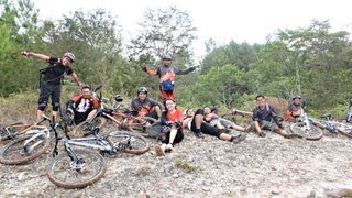 preview picture of video 'Mountain Biking in North Toraja, South Sulawesi, Indonesia.'
