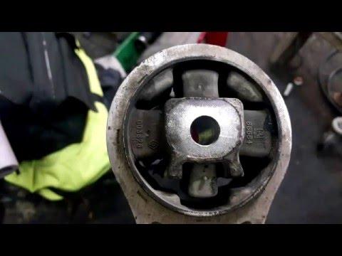 OPEL VIVARO 1.9 замена верхней и нижней подушеки двигателя
