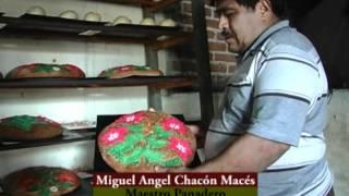 preview picture of video 'Elaboración del Pan de Muerto en Zaachila.flv'