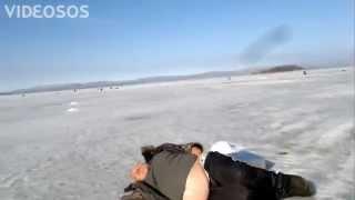Смотреть онлайн Пьяный русский на рыбалке
