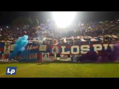 """""""C.A.GUEMES (TRA - FINAL) RECIBIMIENTO DENTRO DEL CAMPO"""" Barra: Los Pibes • Club: Güemes"""