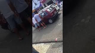 Homem que agrediu idoso no trânsito se apresenta à polícia