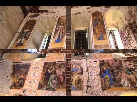 Почему крестятся у входа в церковь