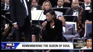 "Jennifer Hudson Performs ""Amazing Grace"" (Aretha Franklin Memorial)"