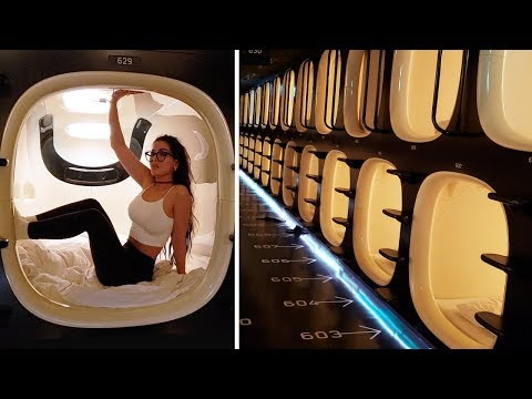 Staying In A TOKYO CAPSULE HOTEL