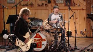 "Live From Daryl's House - ""Taxman"""