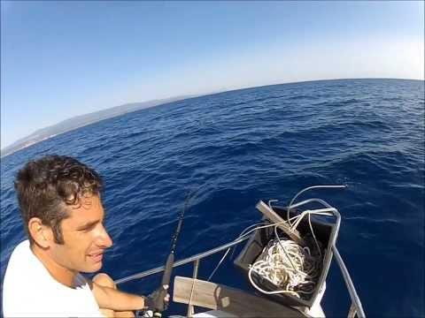 Le attrezzature per pescare nel Mare Bianco nellestate