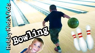 First Time BOWLING! HobbyPig + HobbyFrog, HobbyBear Strike Out HobbyKidsVids