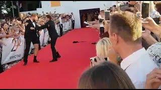 ШОК!) Кинотавр @ ДРАКА на красной ковровой дорожке в Сочи!)