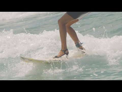 Surferka na opätkoch