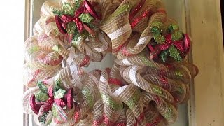 RUSTIC DECO MESH BURLAP WREATH TUTORIAL *CHRISTMAS DOLLAR GENERAL*