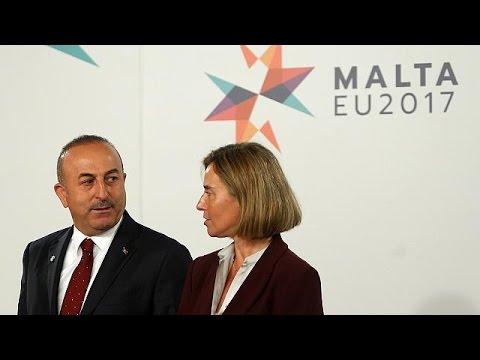 Διχασμένη η ΕΕ για την ευρωπαϊκή προοπτική της Τουρκίας