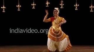 Sunanda Nair - Mohiniyattam performer par excellence