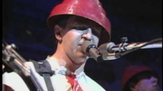 DEVO - Be Stiff (Live) 1980