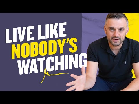 ‪PLOT TWIST: You Are Now The Only Person on Earth | DailyVee 578‬‏