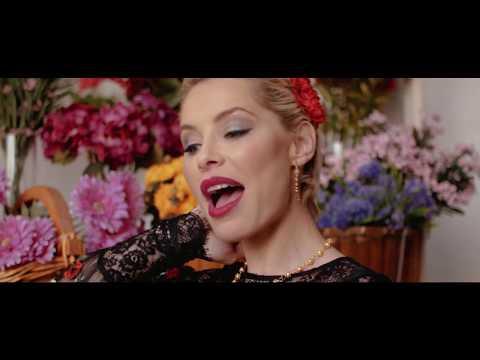Soraya Arnelas Yo Brindo Official Video
