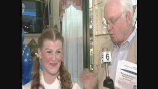 """Interview w/ Dorothy from """"Wizard of Oz"""" (played by Jackie Nash)"""