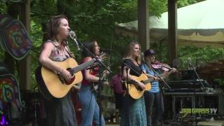 Della Mae - Don't Come Home A-Drinkin' / Why'd You Come In Here Looking Like That - 2016 NWSS