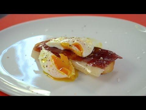 [Easy Recipe] Jamón Iberico De Bellota  With Poached Egg Toast