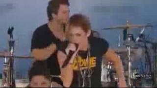 Miss Fan Partiya, Майли Сайрус Party in the USA на шоу Доброе утро, Америка, 18 июня 2010