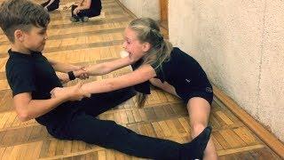 Fantastic Stretching   Растяжка на разрыв с хрустом