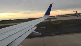 United Airlines 737-900 Take Off Washington Dulles