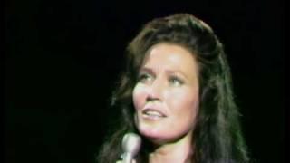 Loretta Lynn - In The Garden