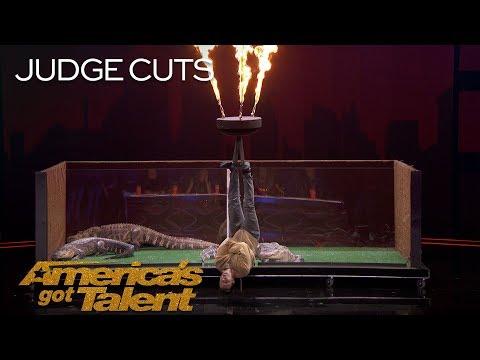 Lord Nil Nearly Eaten Alive By Alligators In Dangerous Stunt - America's Got Talent 2018 (видео)