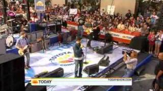 """Maroon 5 """"This love"""" on The Today Show 02.07.2010"""
