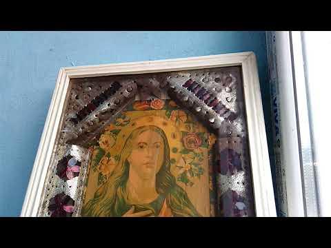 Колокольный звон перед иконой святой Варвары и молитва о замужестве