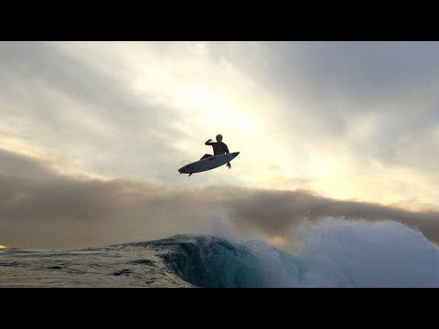 Crazy sunset surf session at the Box