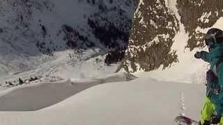 preview picture of video 'SNOWBOARD FREERIDE PASSO DEL TONALE CANALINO CASTELLACCIO'