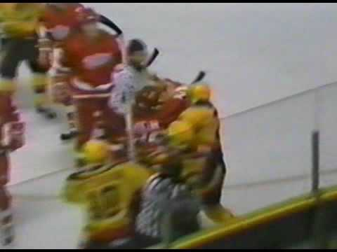Joey Kocur vs Cam Neely