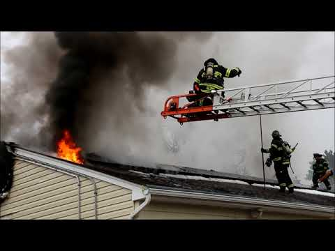 COPS & OFF DUTY FIREFIGHTER SAVE ELDERLY WOMAN FROM HOLBROOK HOUSE FIRE