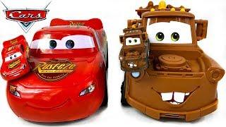 DISNEY PIXAR CARS 3 TRANSFORMING MATER SPIELSET UNBOXING - HOOK & LIGHTNING MCQUEEN WANDELN SICH UM