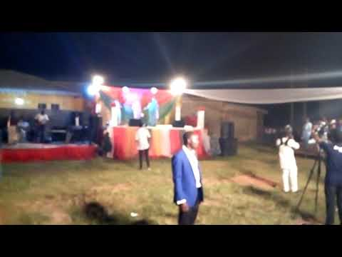 Shola Allyson live on stage Xmas Carol Aiyetoro Ogun State