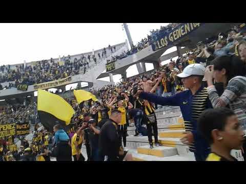 """""""Hinchada de Peñarol vs Racing 3/12/2017"""" Barra: Barra Amsterdam • Club: Peñarol"""