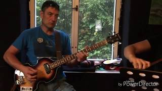 Video The Acoustics - I Saw Her Standing (The Beatles)