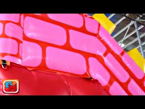 Надувной батут «Веселый замок», размер 6*4*5 м.
