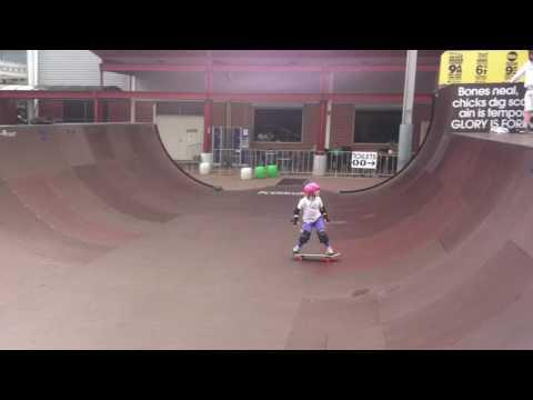 Super Rad Young Aussie Skater, Sabre Norris