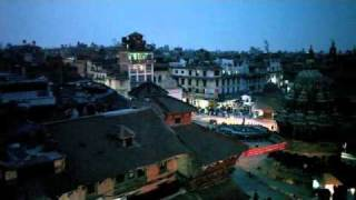 preview picture of video 'Dubar Square at dusk'