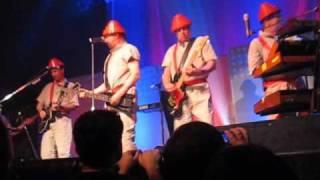 Devo - Be Stiff (Live)